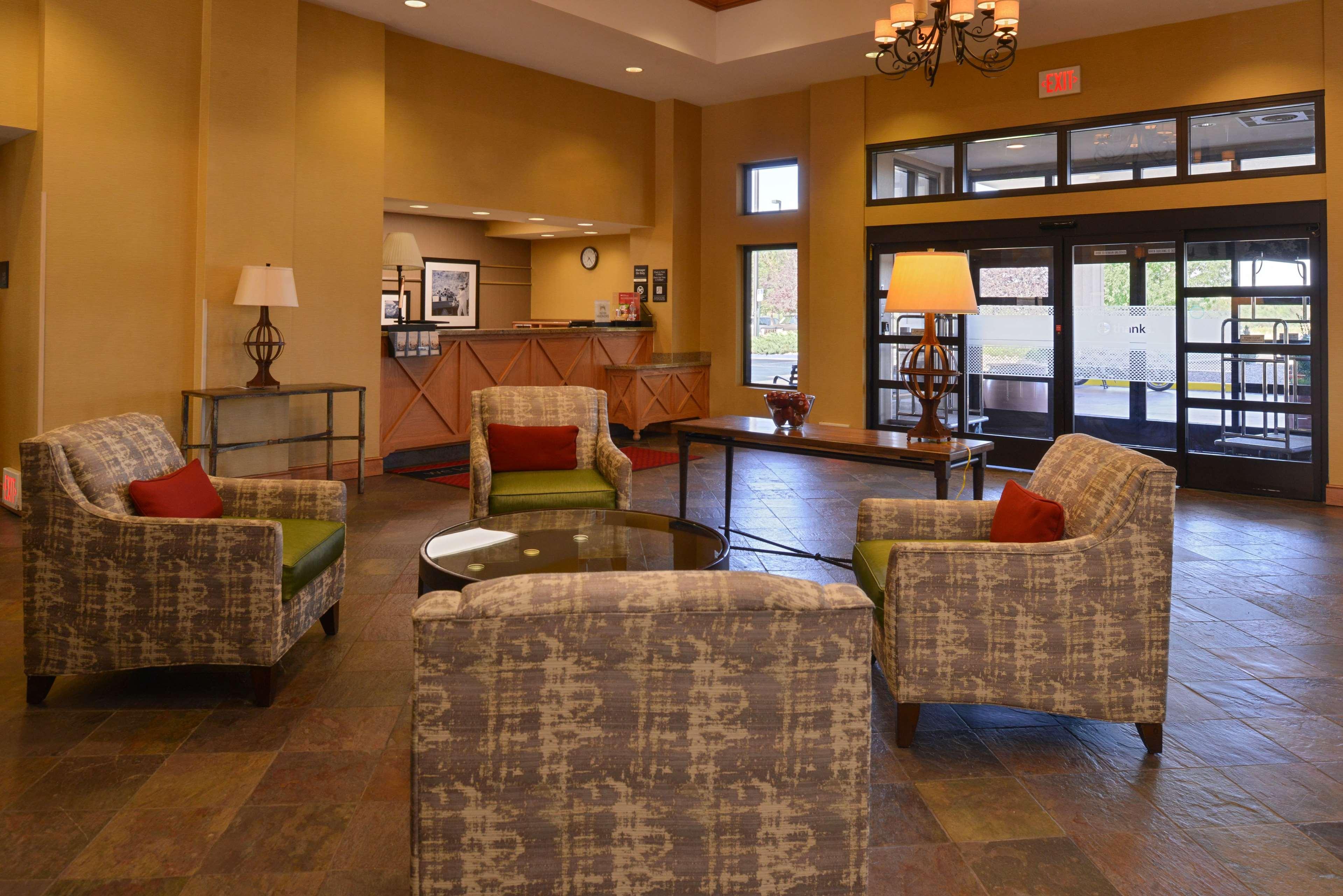 Hampton Inn & Suites Pueblo-Southgate image 5