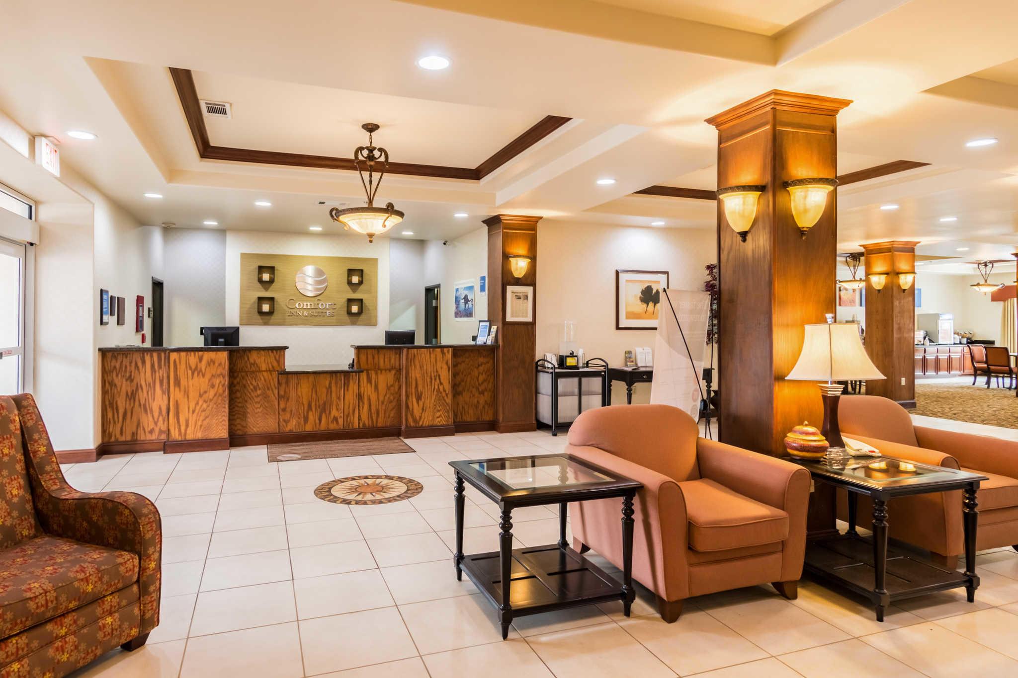 Comfort Inn & Suites near Comanche Peak image 3