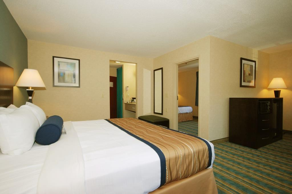 Best Western Plus Berkshire Hills Inn & Suites image 25