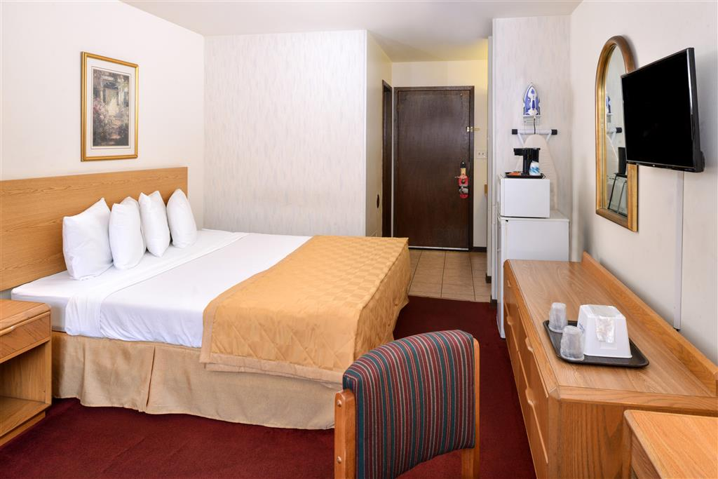 Americas Best Value Inn La Crosse image 18
