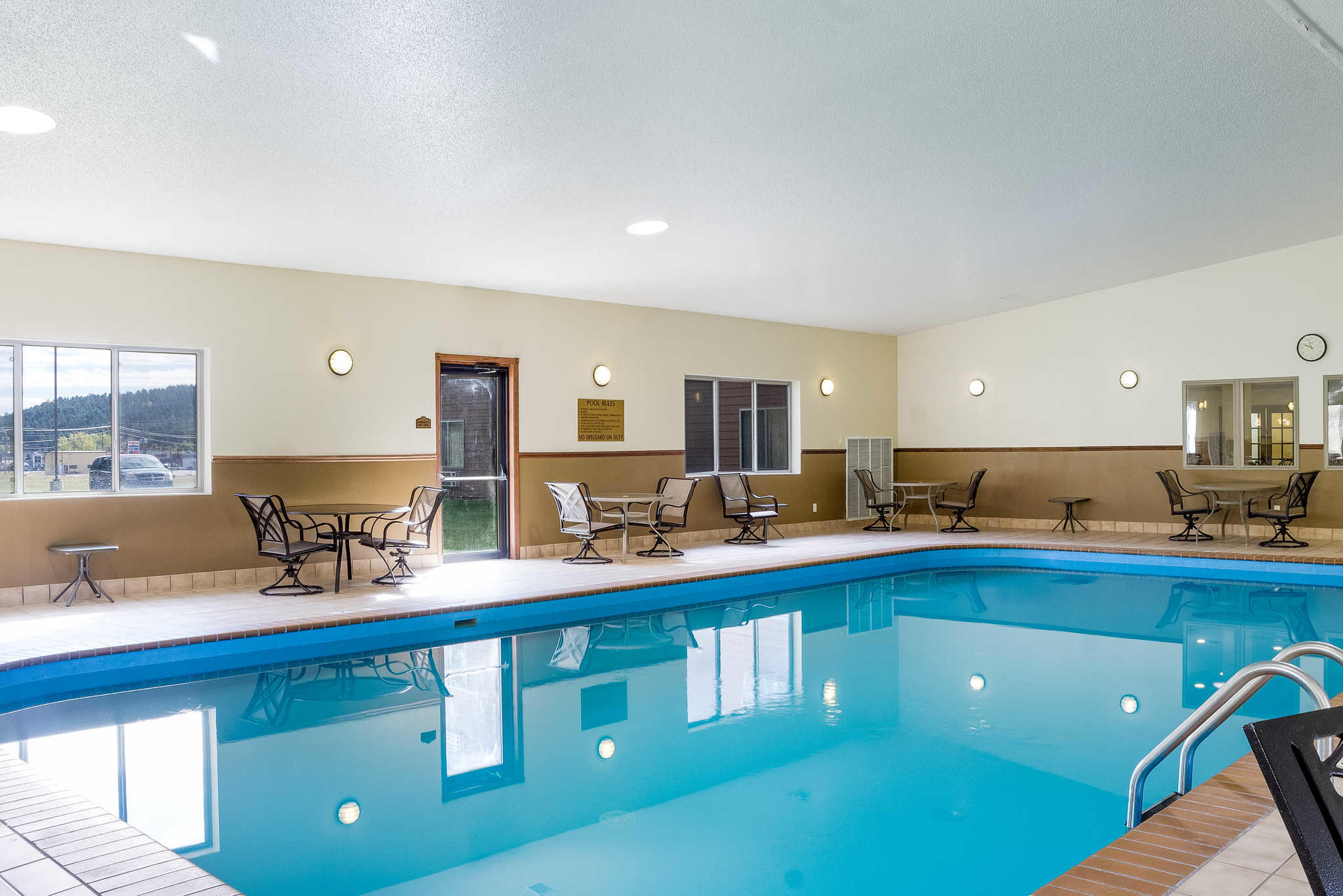 Comfort Inn & Suites image 41