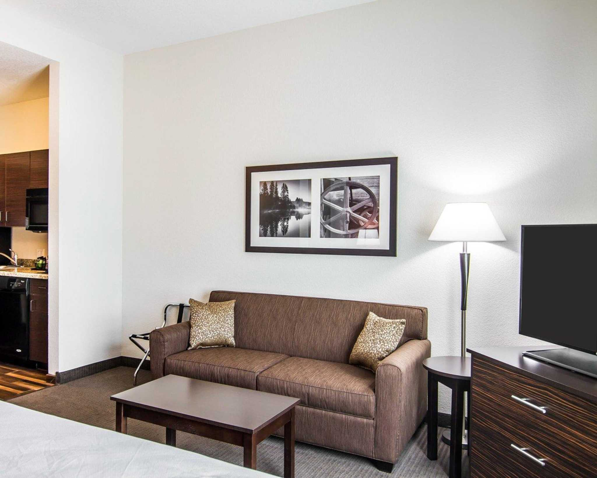 MainStay Suites image 9