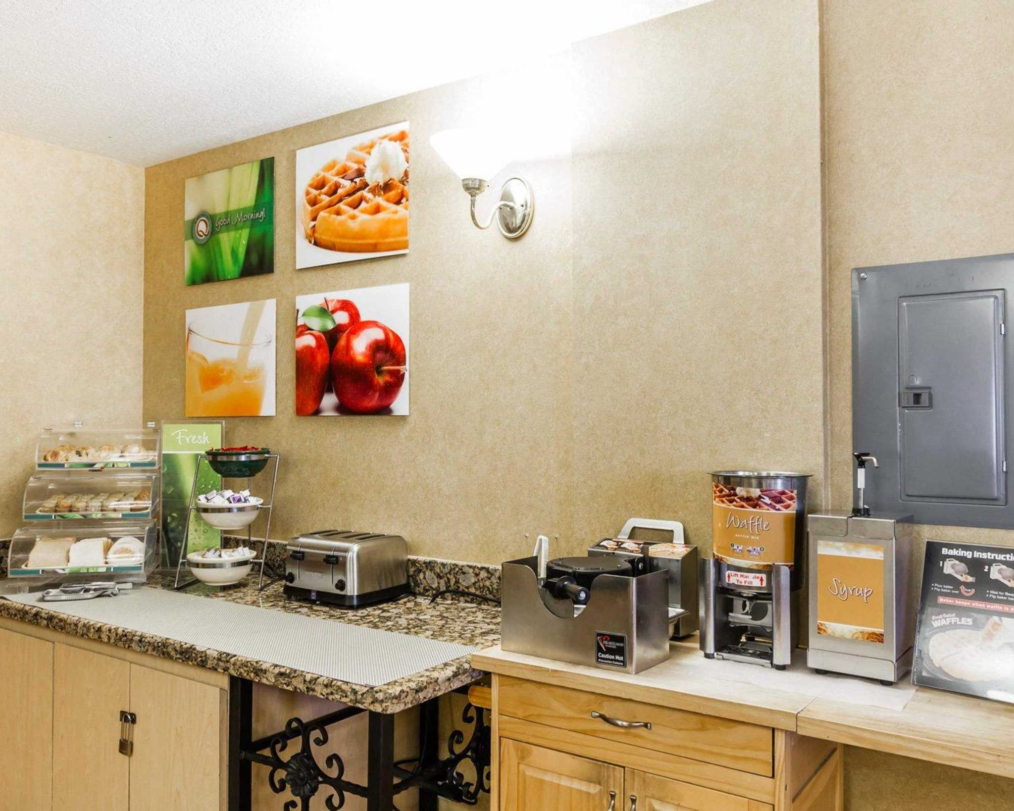 Quality Inn & Suites Surprise Near Sun City West image 26