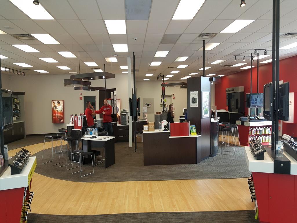 Verizon Authorized Retailer - TCC in Abington, MA, photo #2