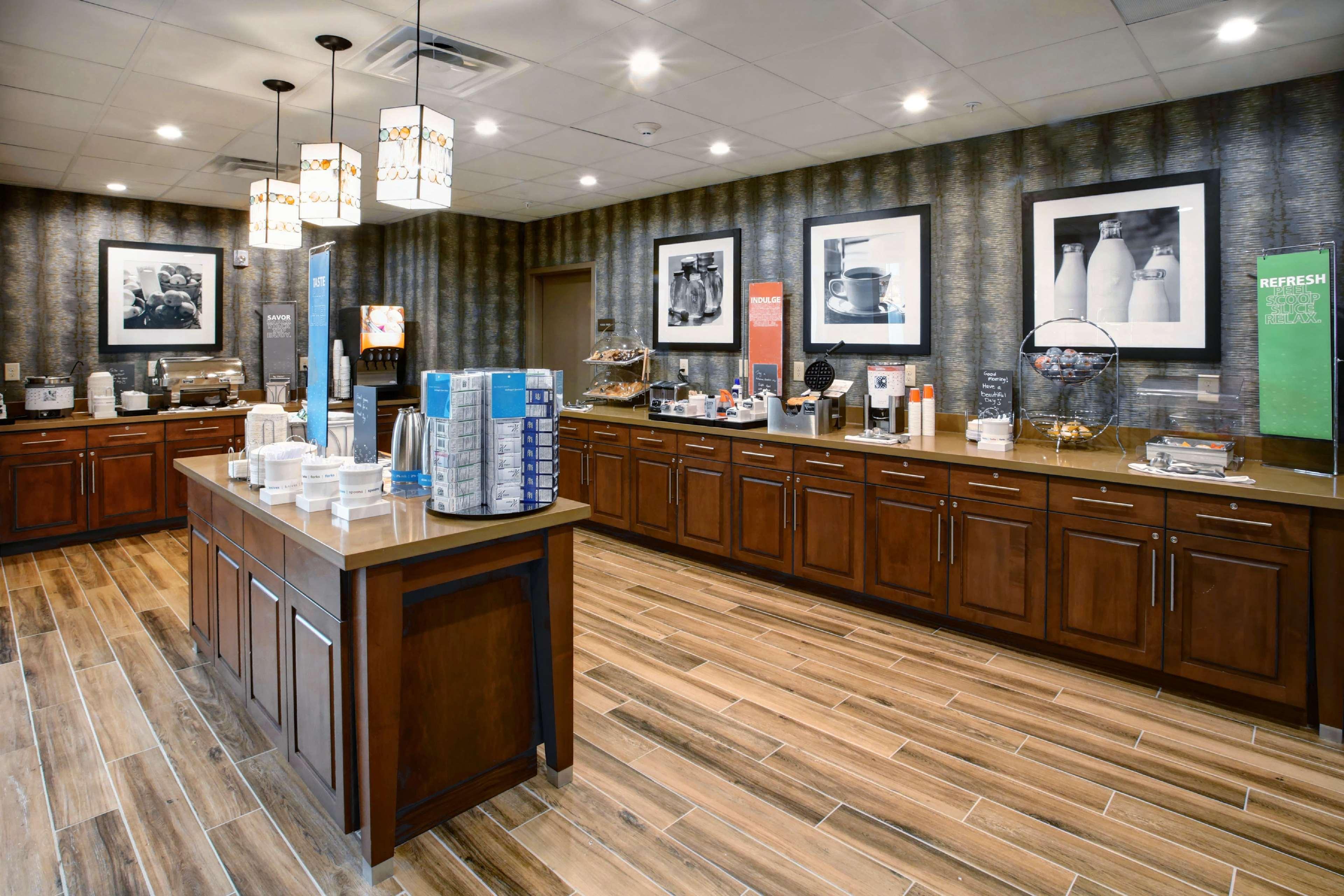 Hampton Inn & Suites Baltimore/Aberdeen image 9