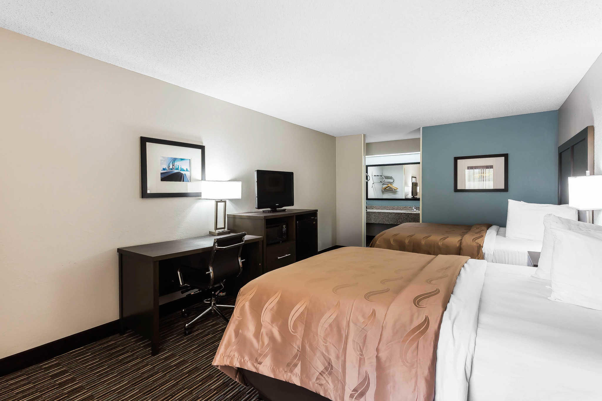Quality Inn & Suites Mooresville-Lake Norman image 18