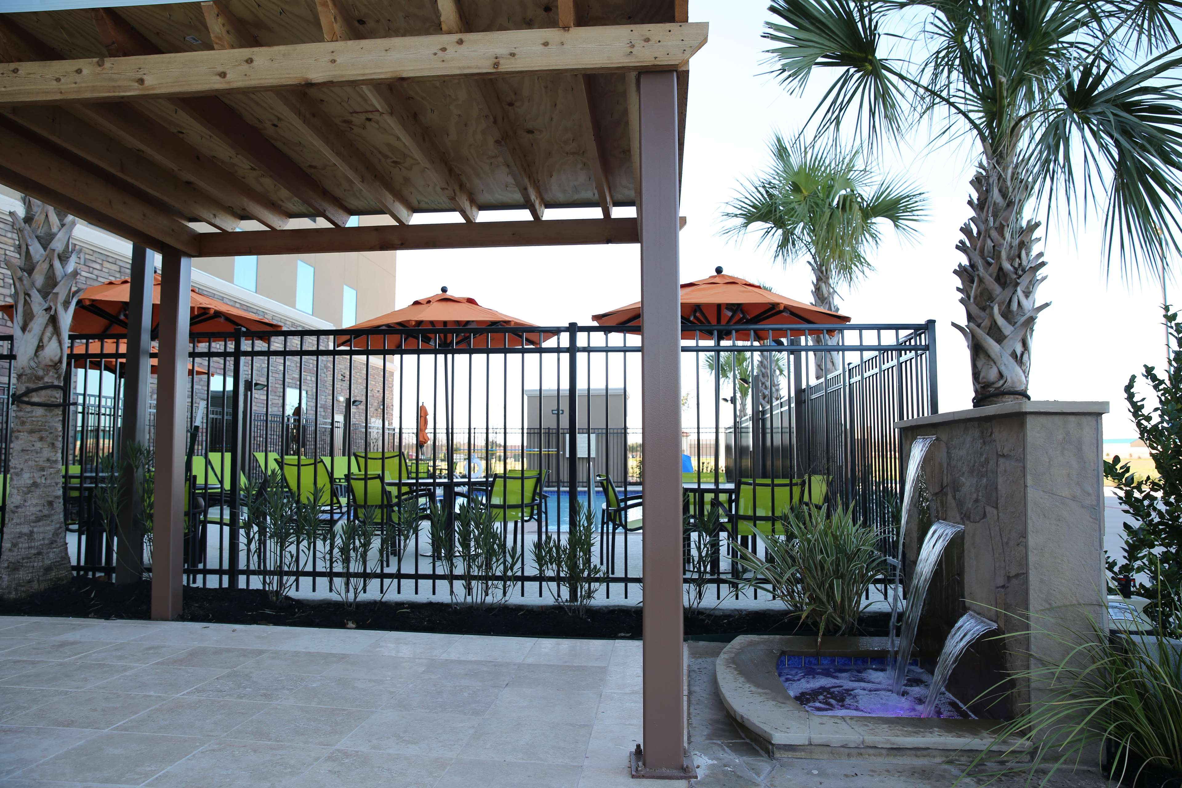 Hampton Inn & Suites Missouri City, TX image 2