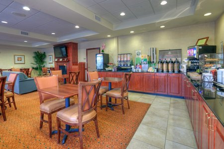 Country Inn & Suites by Radisson, Lexington Park (Patuxent River Naval Air Station), MD image 2