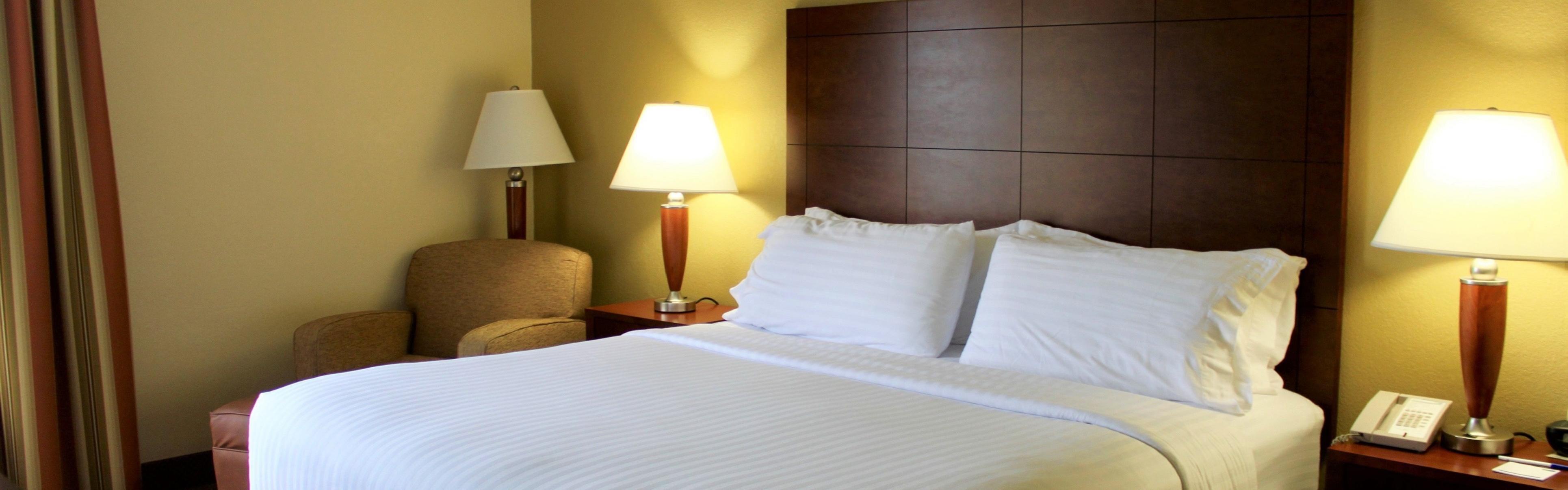 Holiday Inn Express Middlesboro image 1