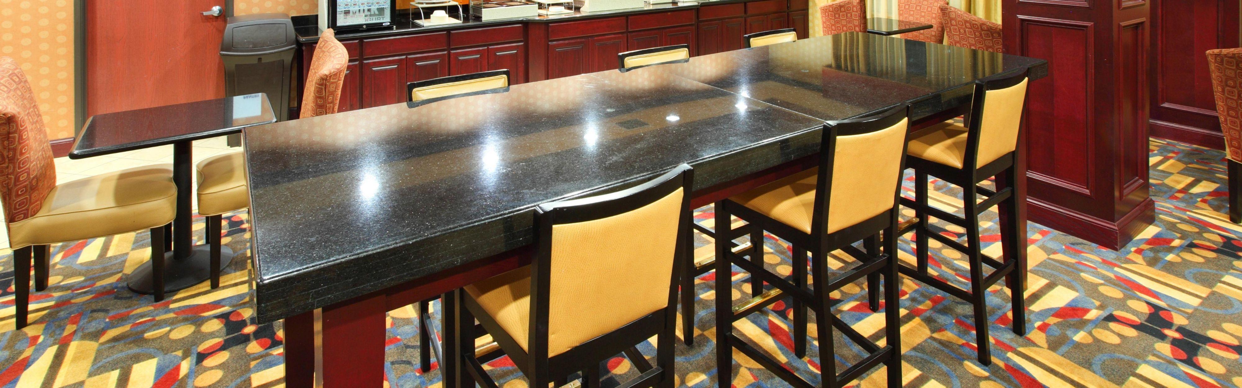 Holiday Inn Express & Suites Van Buren-Ft Smith Area image 3