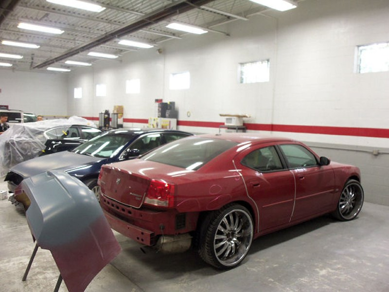 CDE Collision Center-Columbus Ave. image 1
