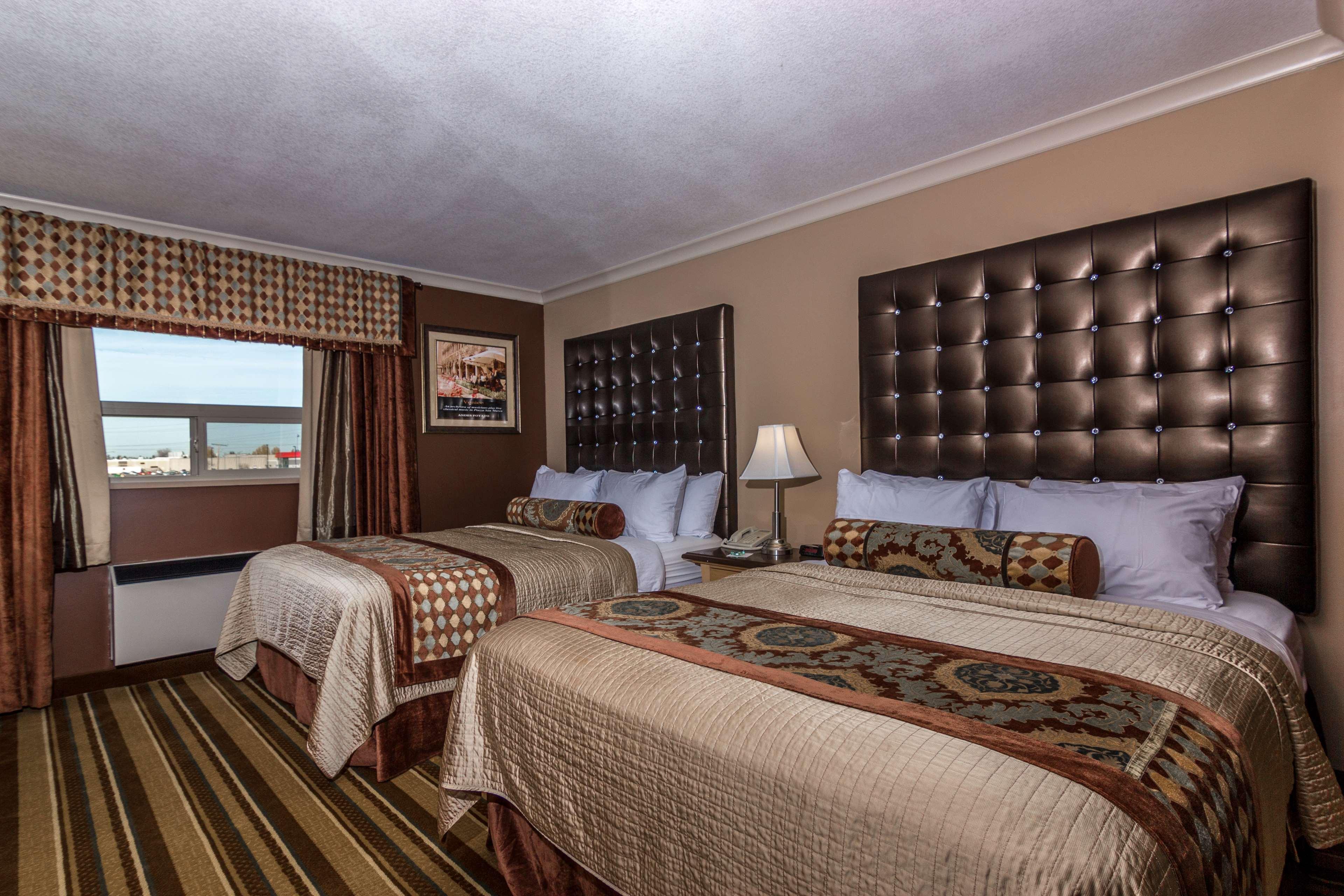 Best Western Marquis Inn & Suites in Prince Albert: Two Queen Suite