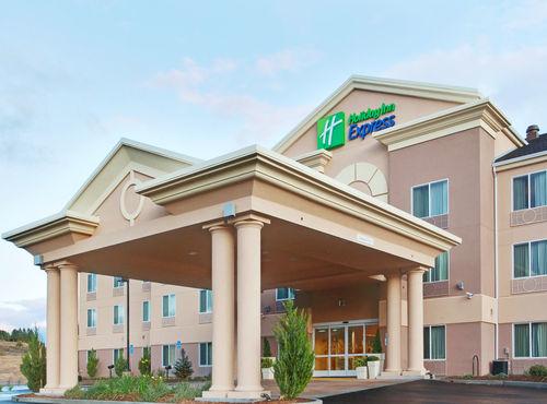 Holiday Inn Express Yreka-Shasta Area image 0