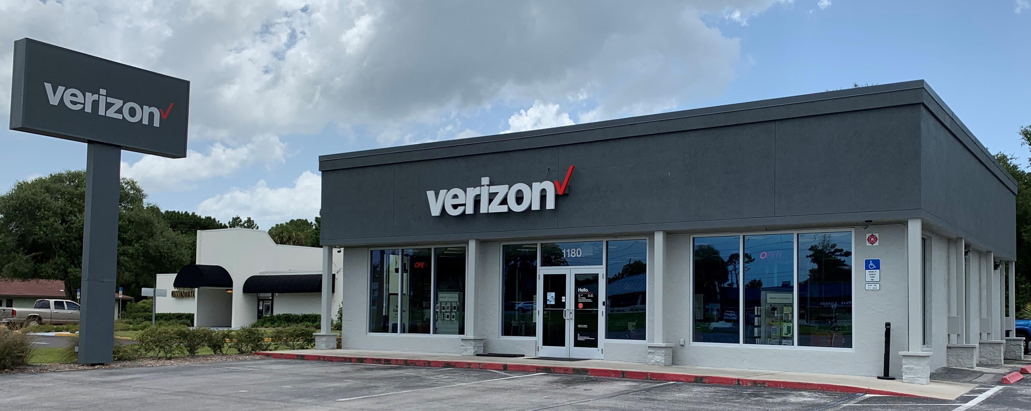 Verizon Authorized Retailer – Cellular Sales Photo