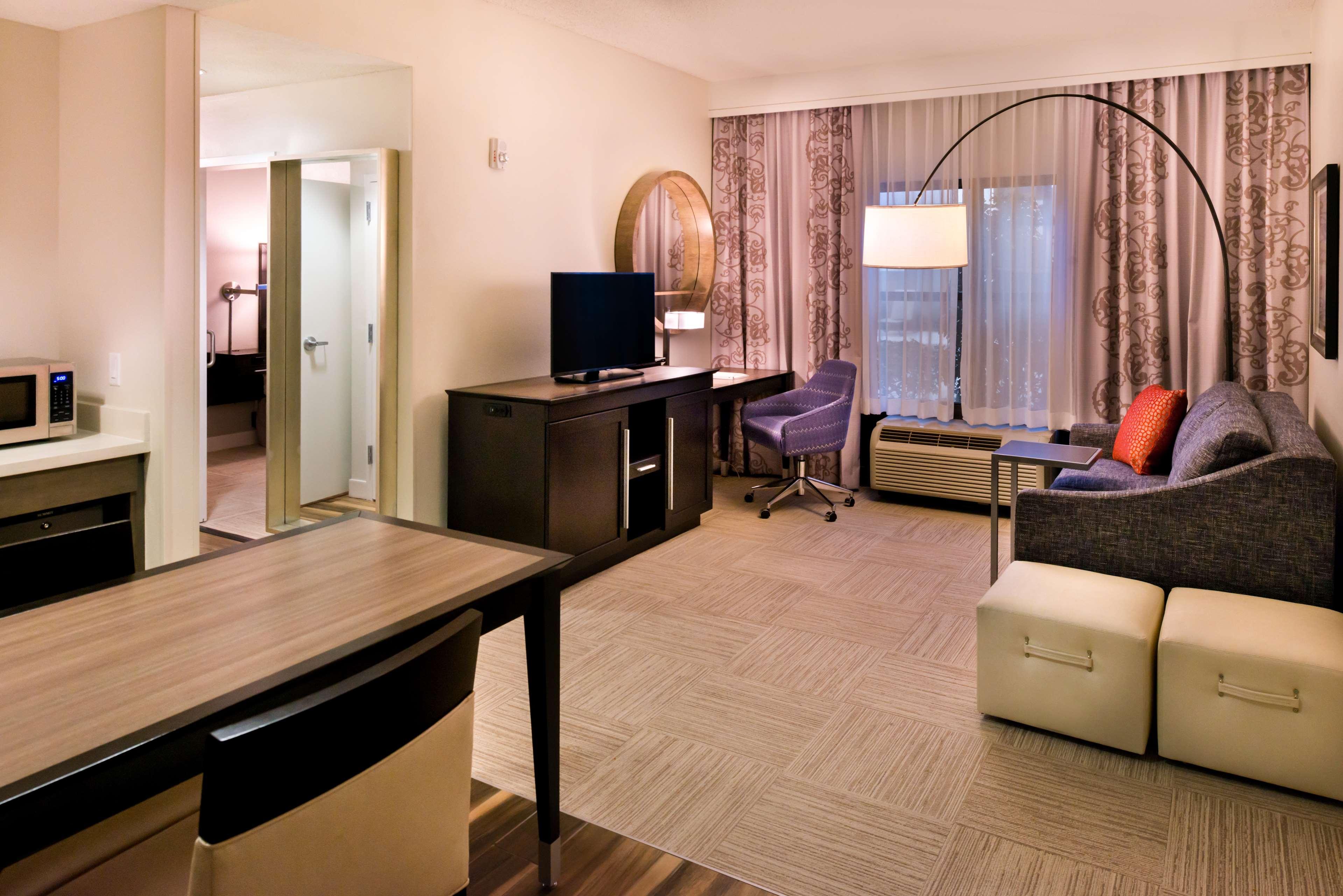 Hampton Inn & Suites Orlando/East UCF Area image 27