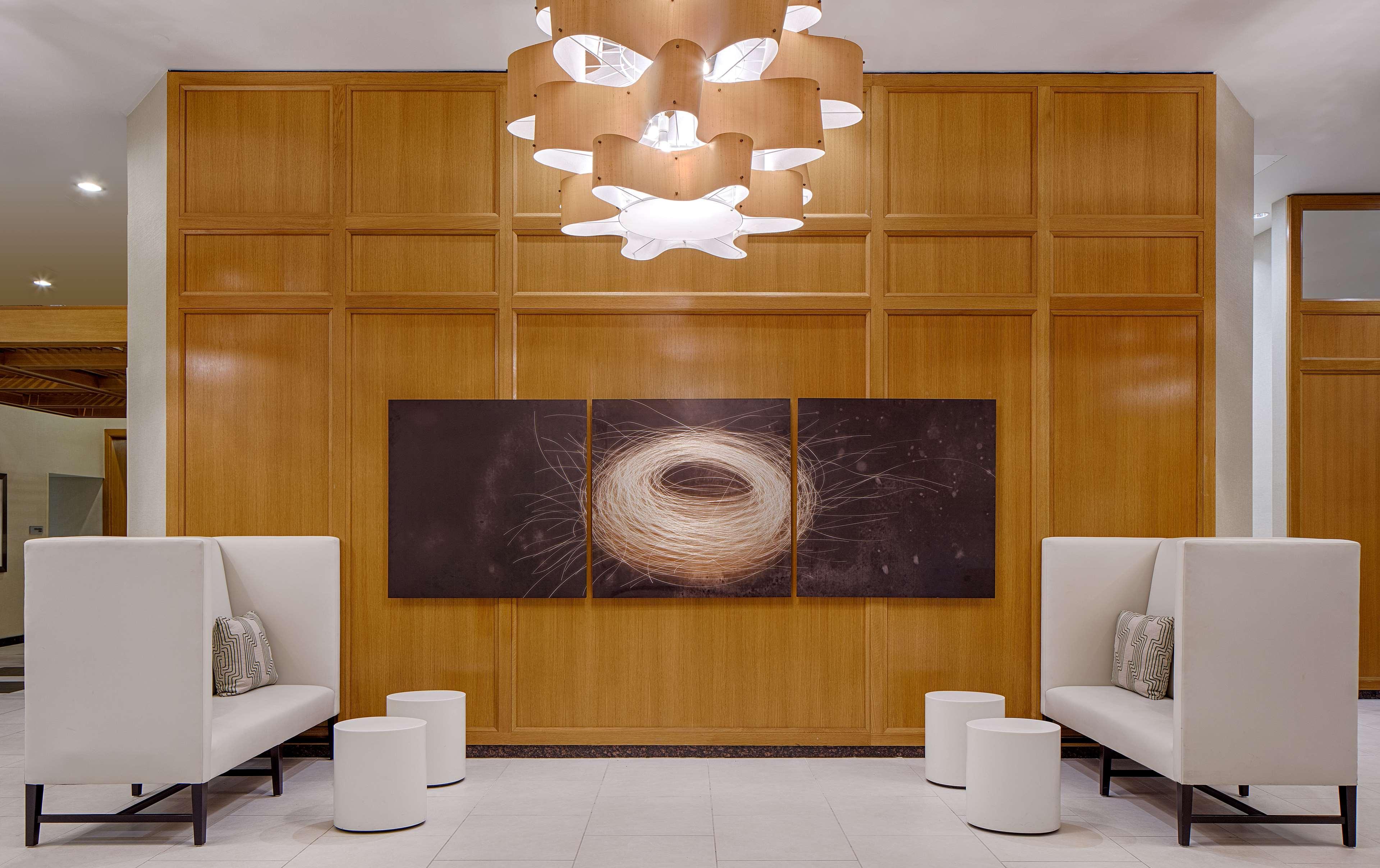 DoubleTree by Hilton Hotel Houston - Greenway Plaza image 1