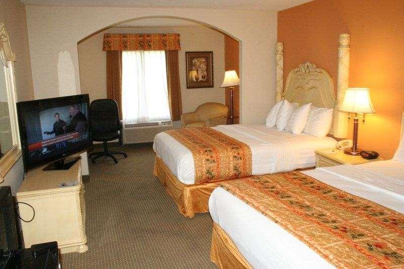 Two Queen Guest Room - Oversized
