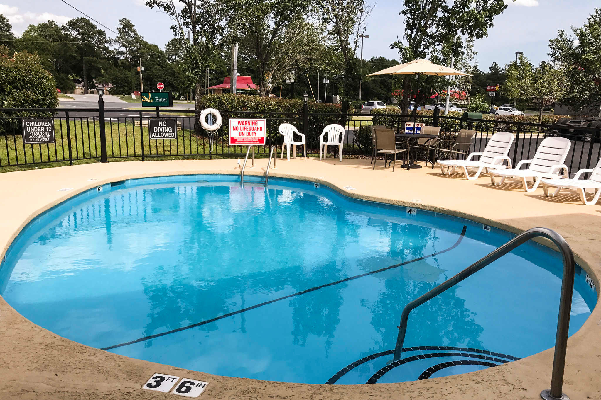 Quality Inn 115 Fayetteville Road Raeford Nc Hotels Motels Mapquest