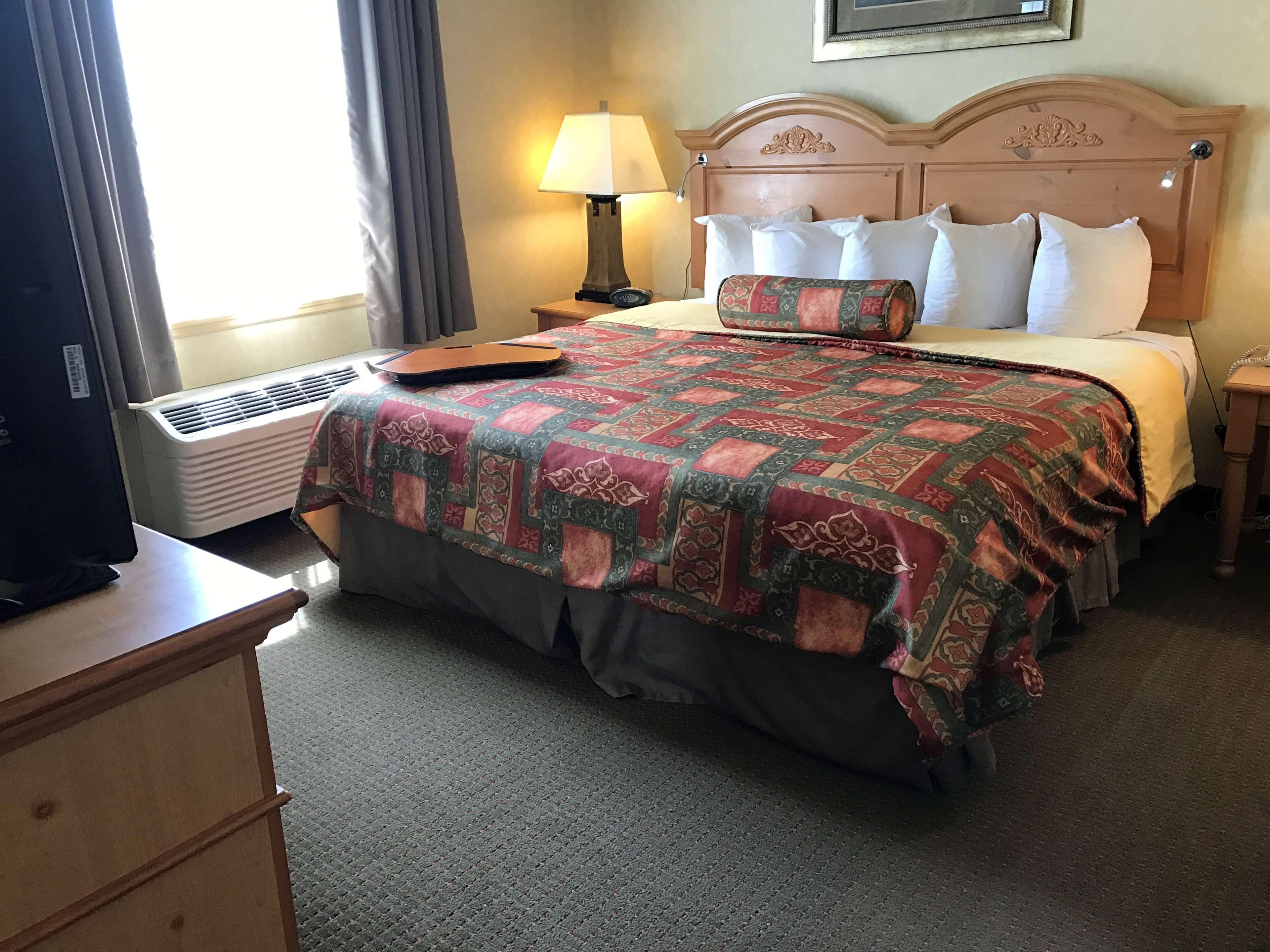 Best Western Plus Revere Inn & Suites image 29