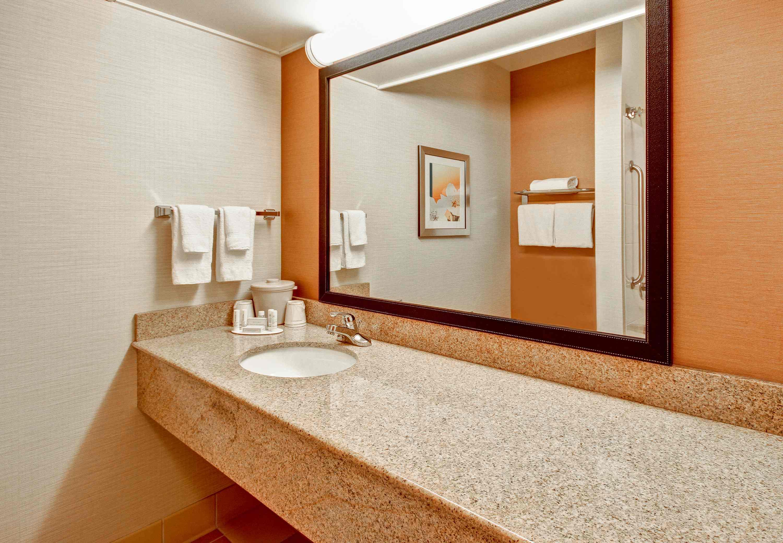 Fairfield Inn & Suites by Marriott Saratoga Malta image 10