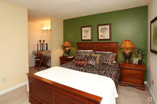 Patchen Oaks Apartments image 1