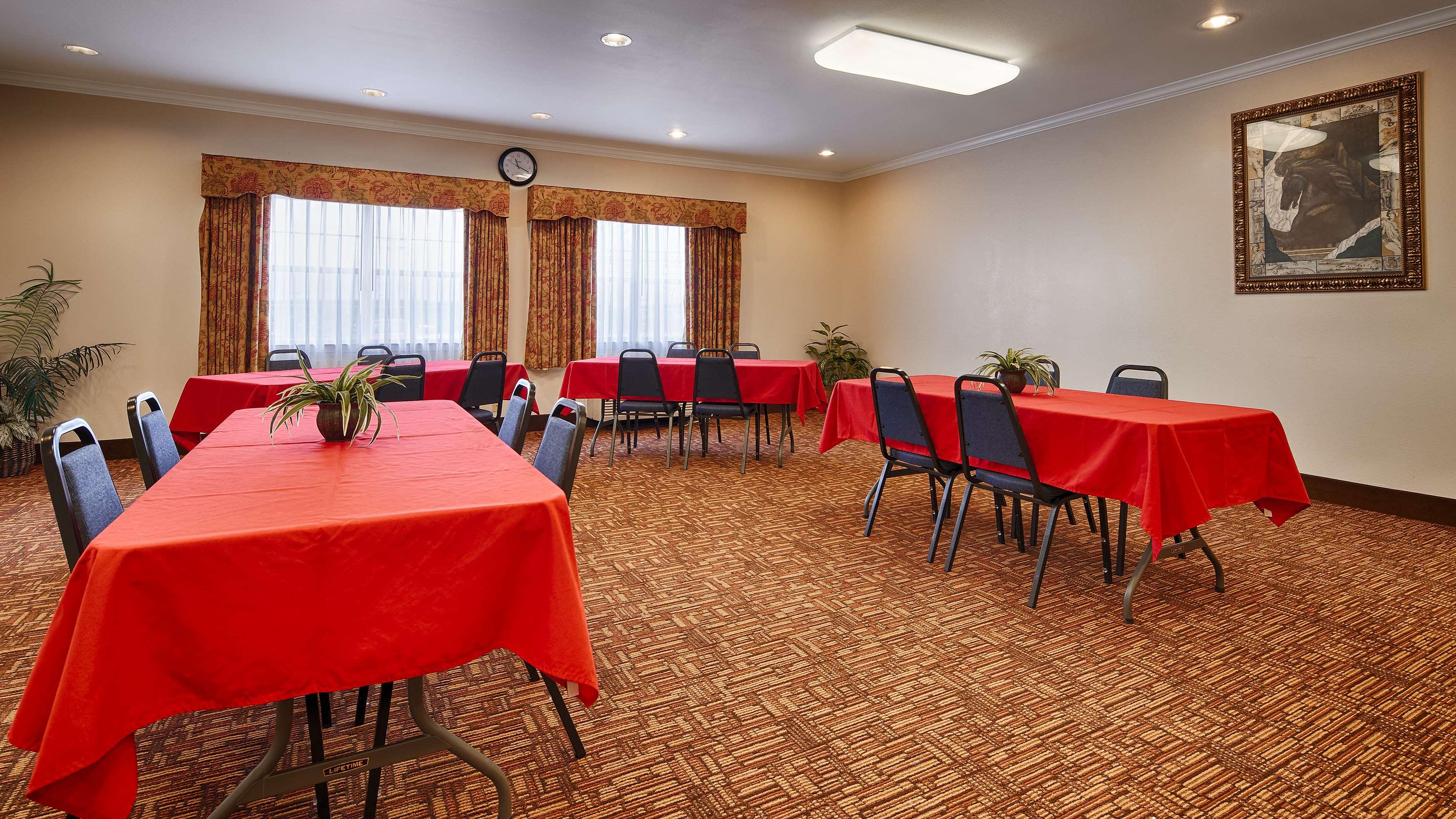Best Western Club House Inn & Suites image 13