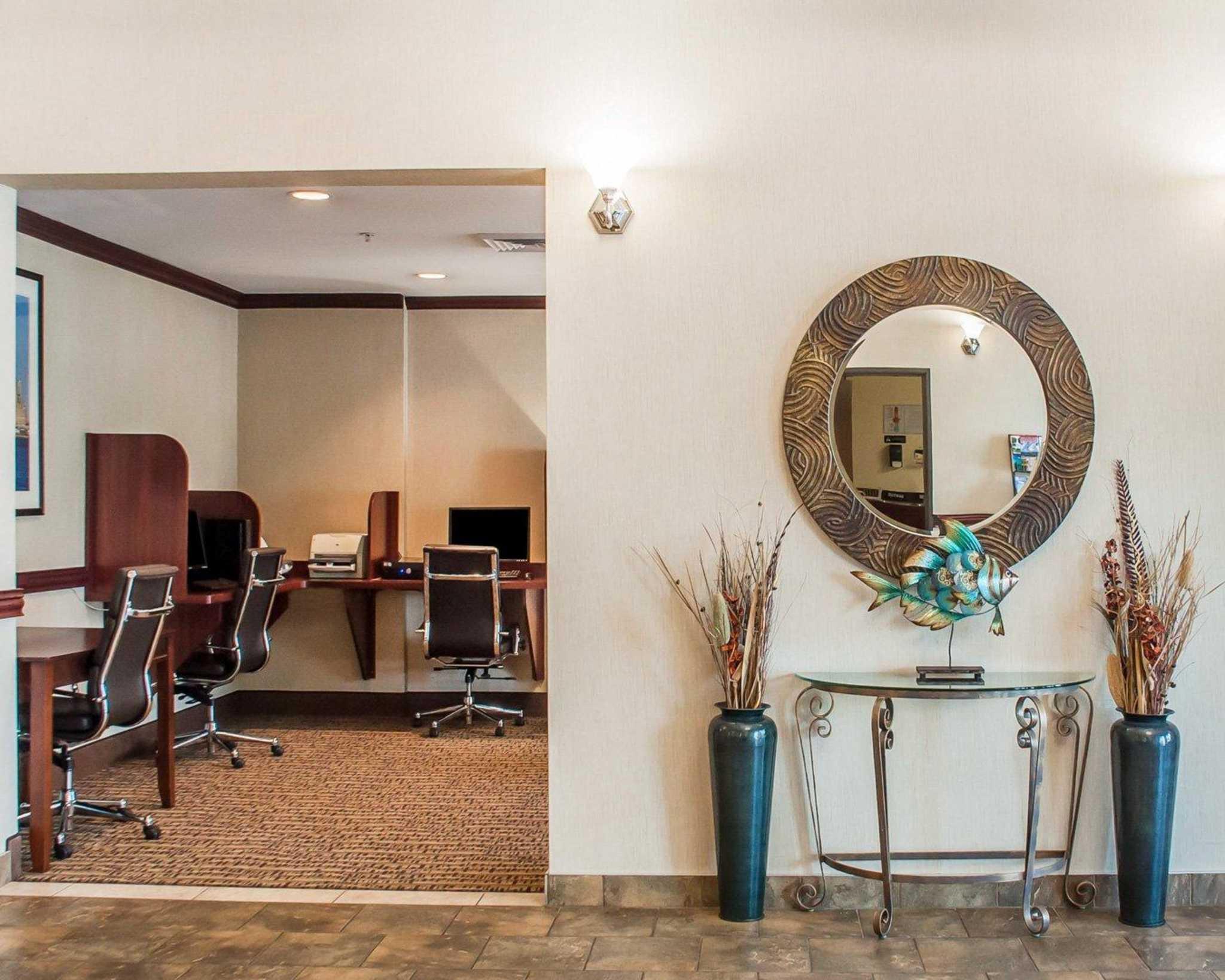 Comfort Inn Near Walden Galleria Mall image 36