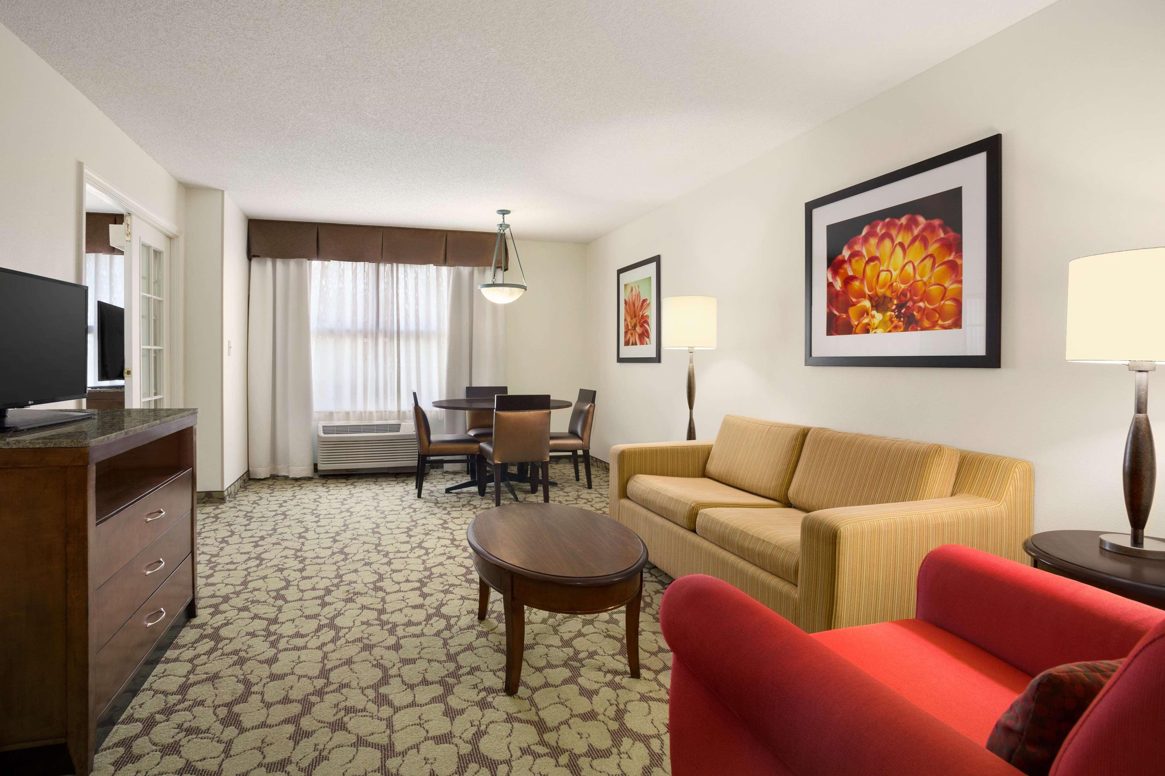 Hilton Garden Inn Atlanta Perimeter Center image 19