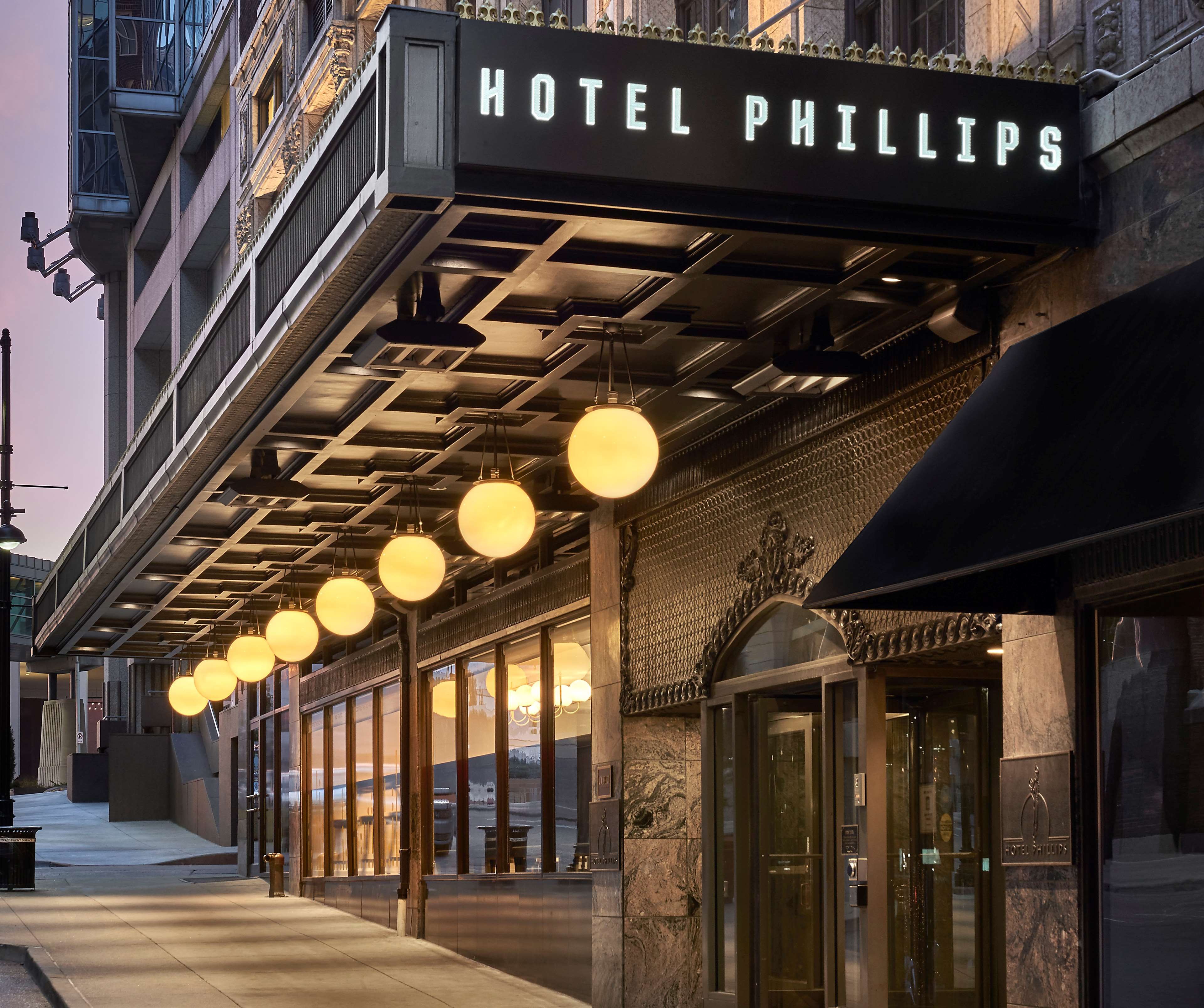 Hotel Phillips Kansas City, Curio Collection by Hilton image 2