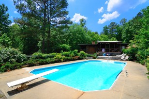 Universal Pool Sales image 1