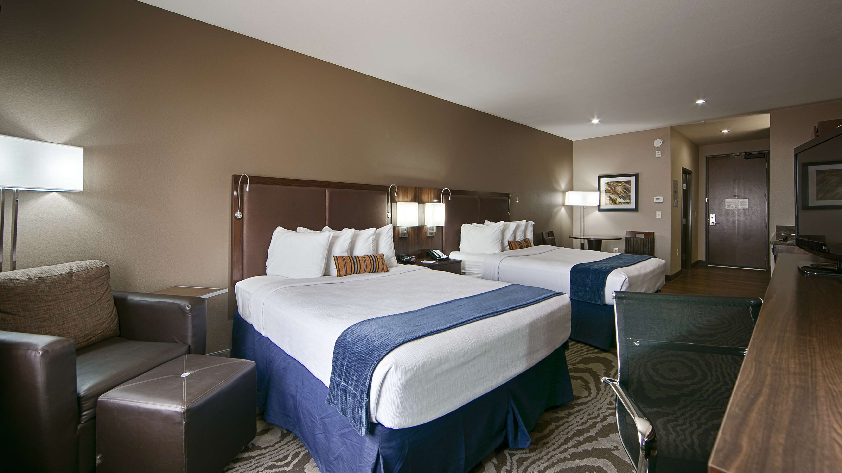 Best Western Plus Williston Hotel & Suites image 25