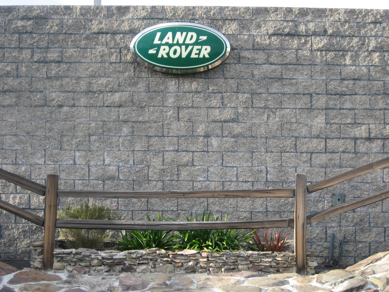 Land Rover Pasadena image 11