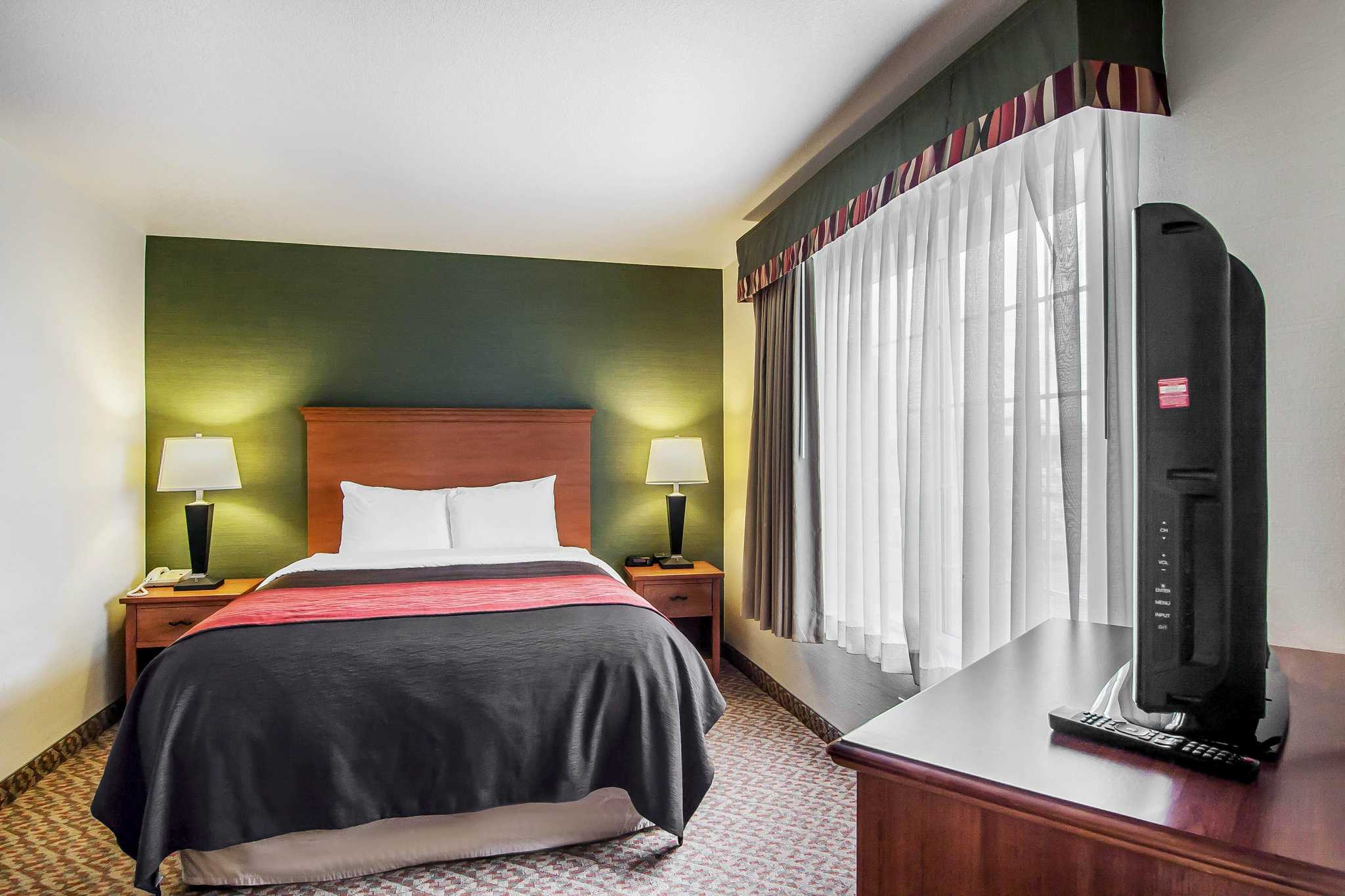 Comfort Inn & Suites image 49