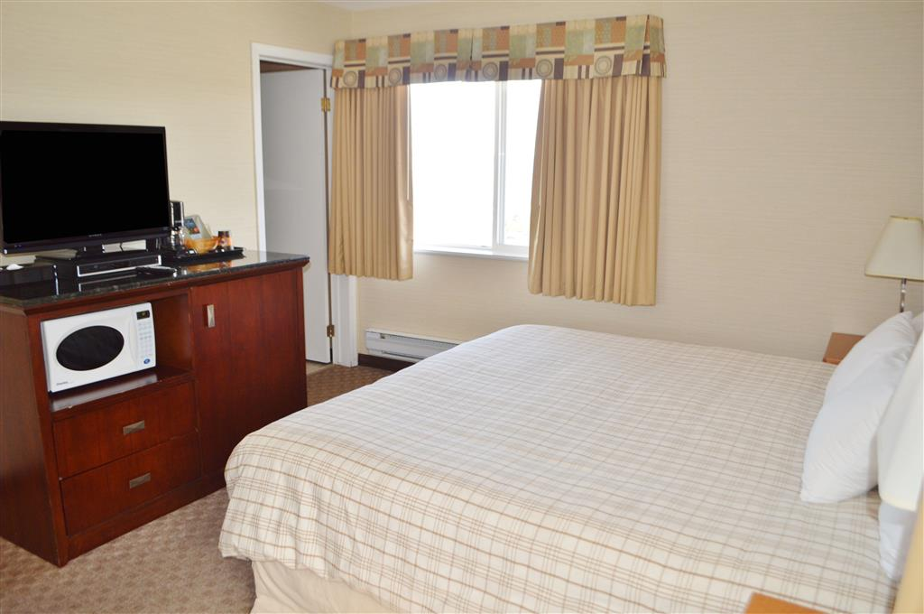 Canadas Best Value Inn in Kamloops: One King Bed