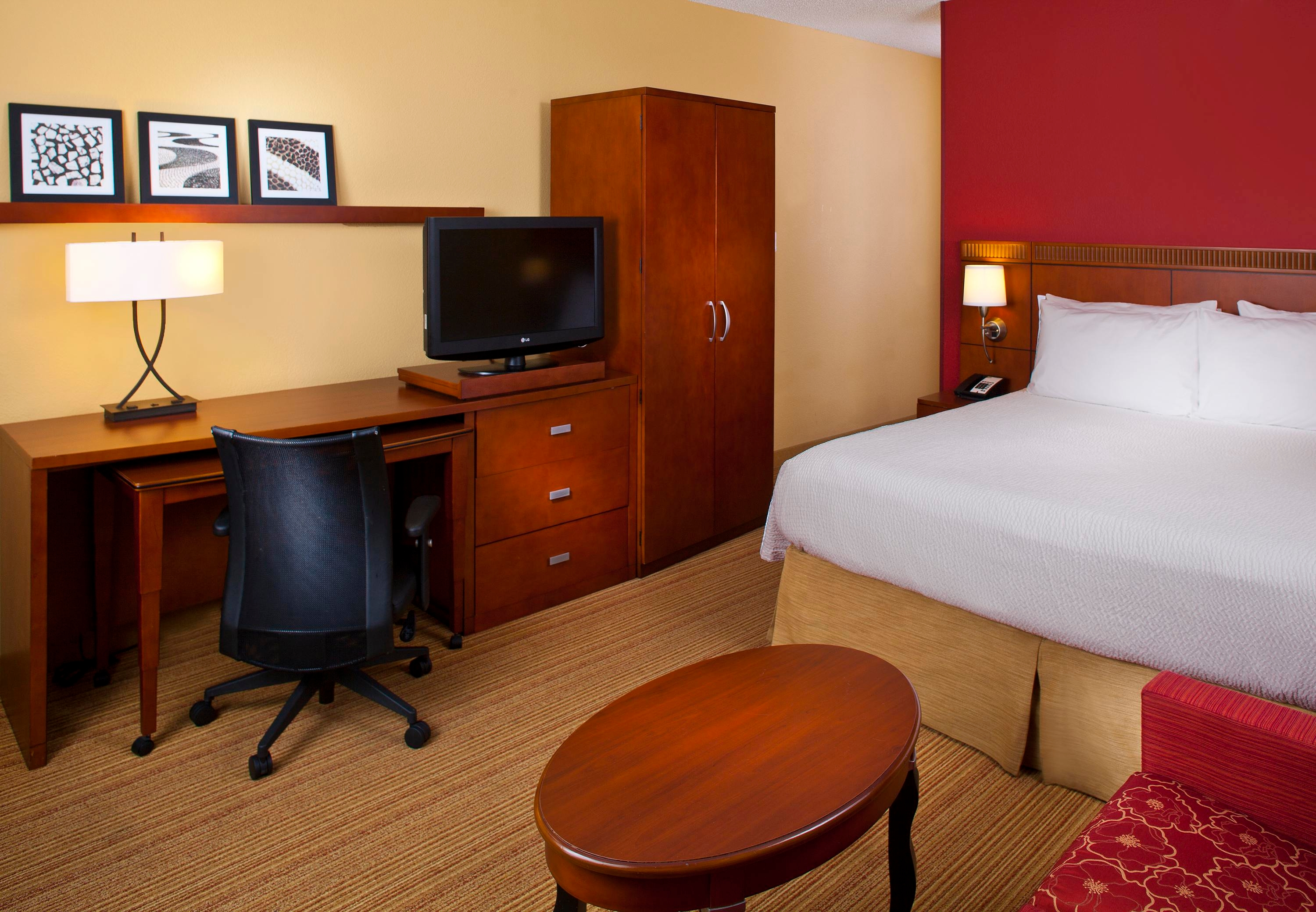 Courtyard by Marriott Miami Lakes image 22