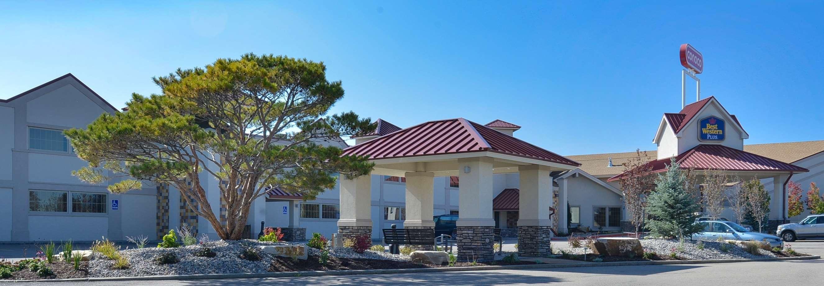 Best Western Plus Crossroads Inn & Conference Center in ...