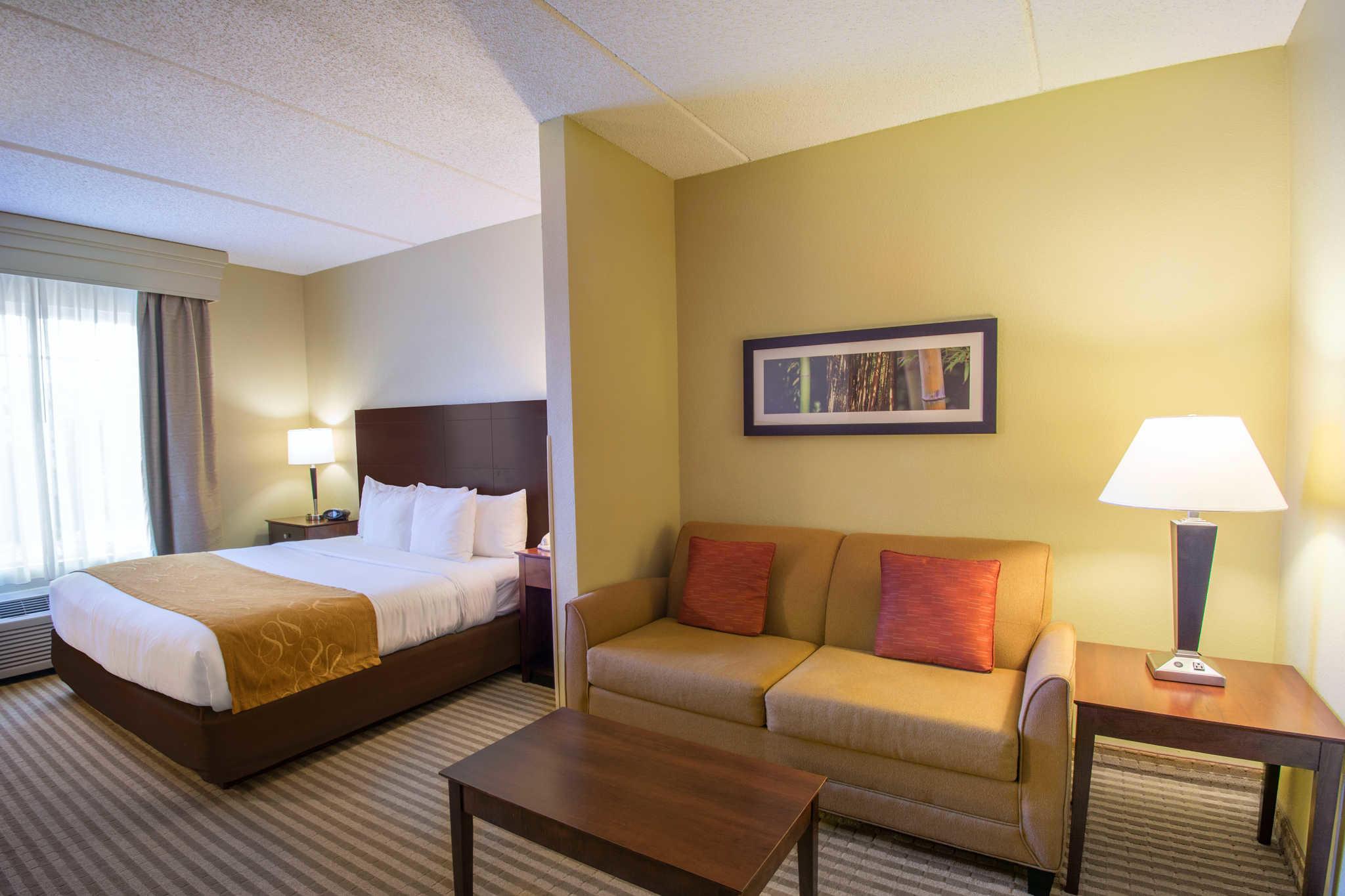 Comfort Suites Near Universal Orlando Resort image 5