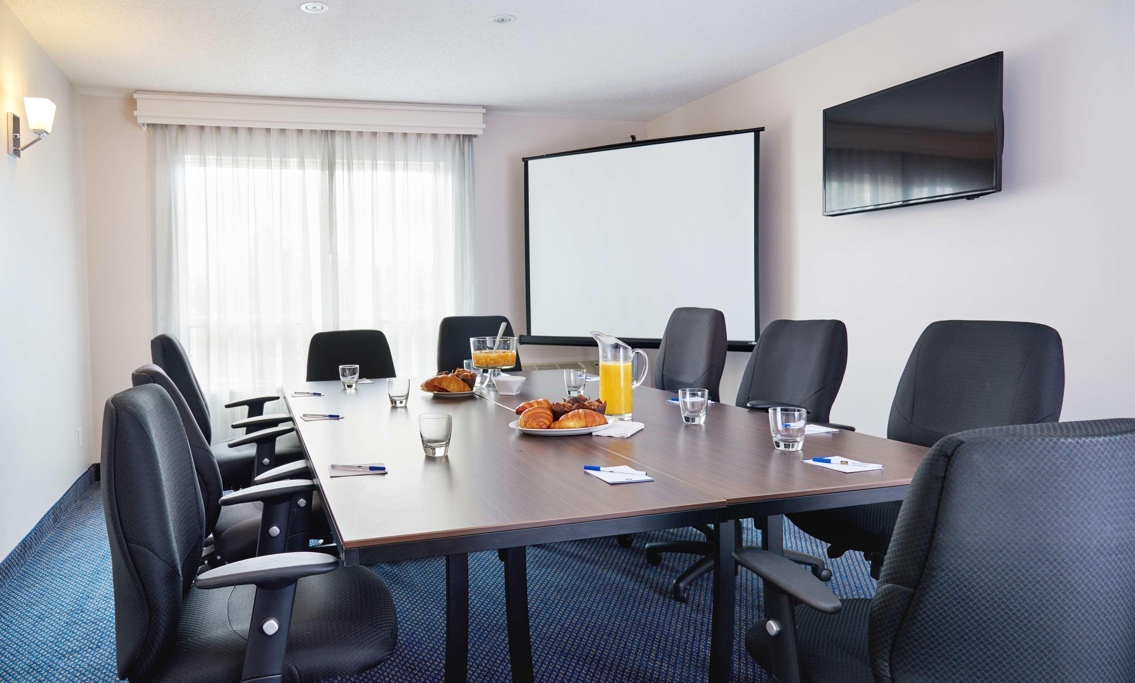Best Western Hotel Brossard à Brossard: Meeting Room