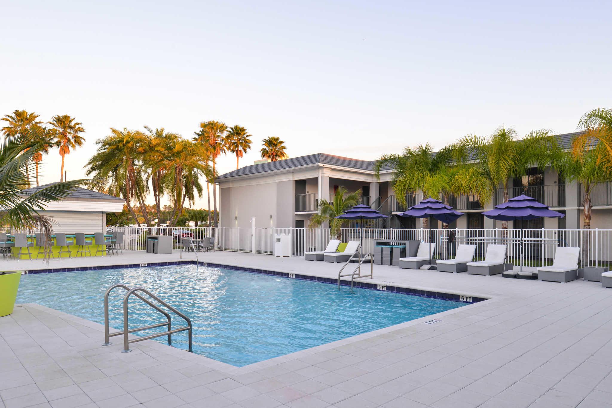 Clarion Inn & Suites Orlando near Theme Parks image 21