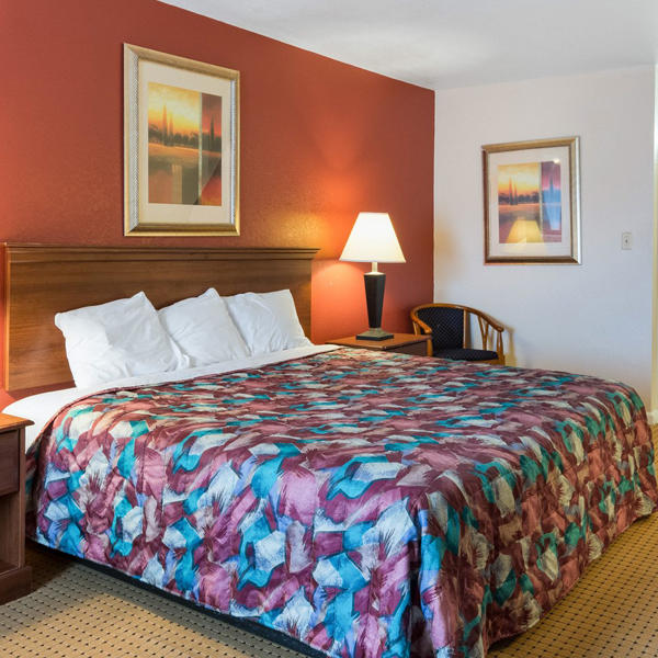 Relax Inn Portsmouth, VA image 5