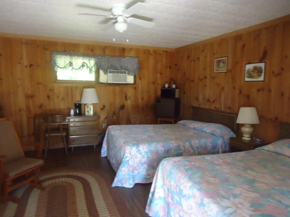 Pioneer Motel image 3