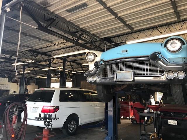 Salem's Auto Center image 5