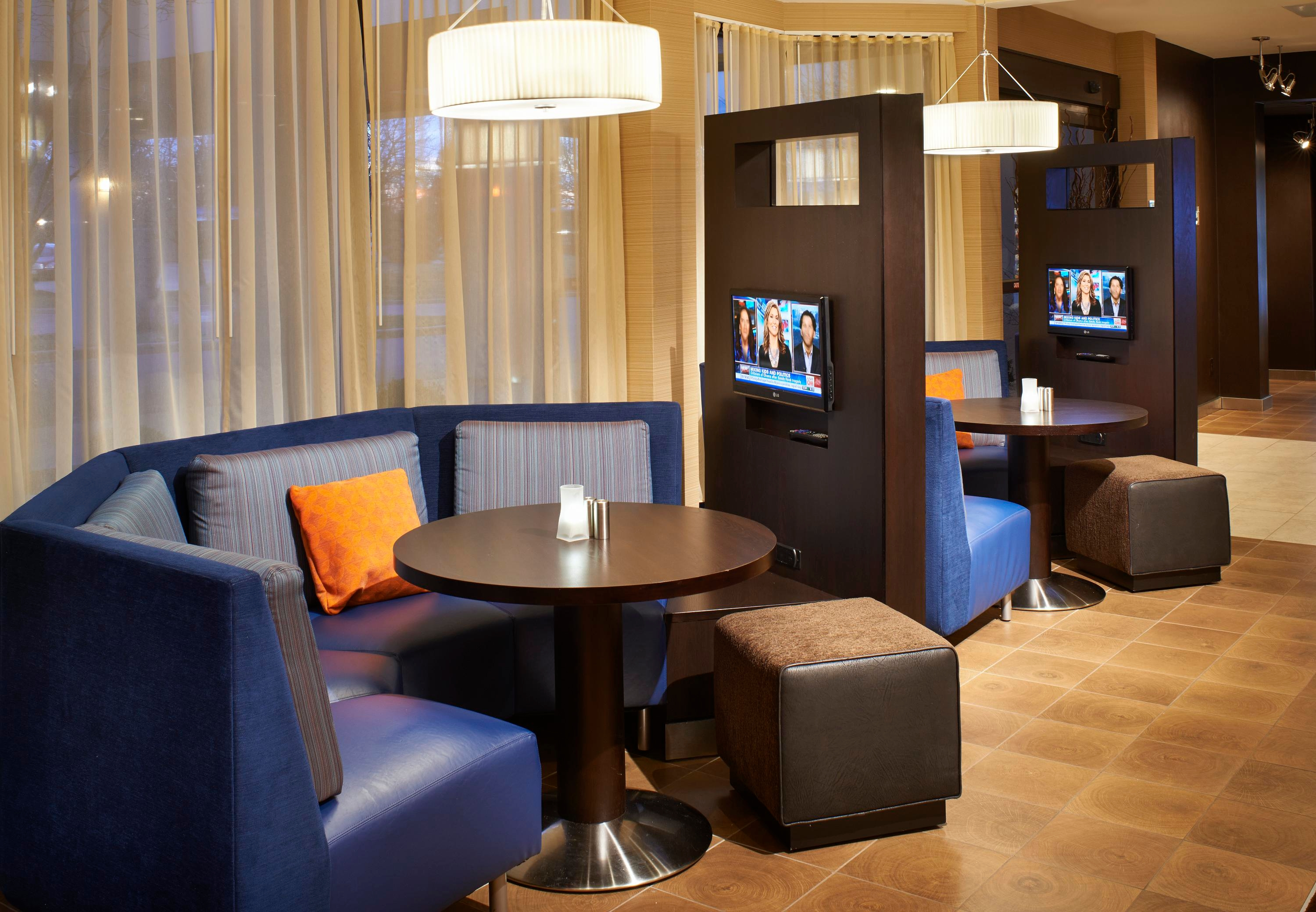 Courtyard by Marriott Toledo Airport Holland image 12