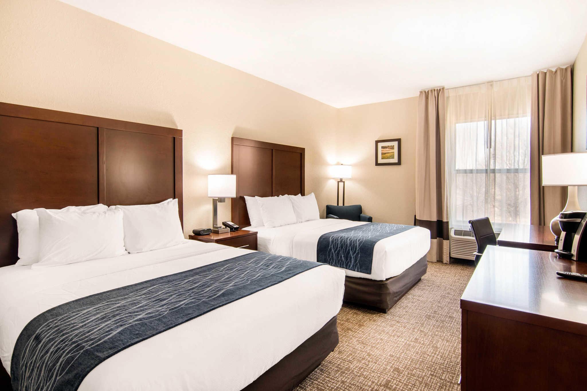 Comfort Inn & Suites Junction City - near Fort Riley image 13