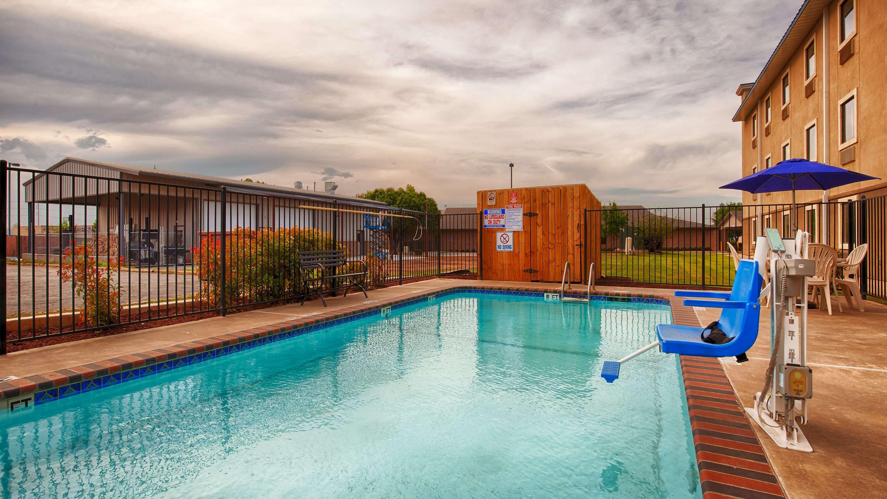 Best Western Plus University Inn Suites Wichita Falls Tx Company Page