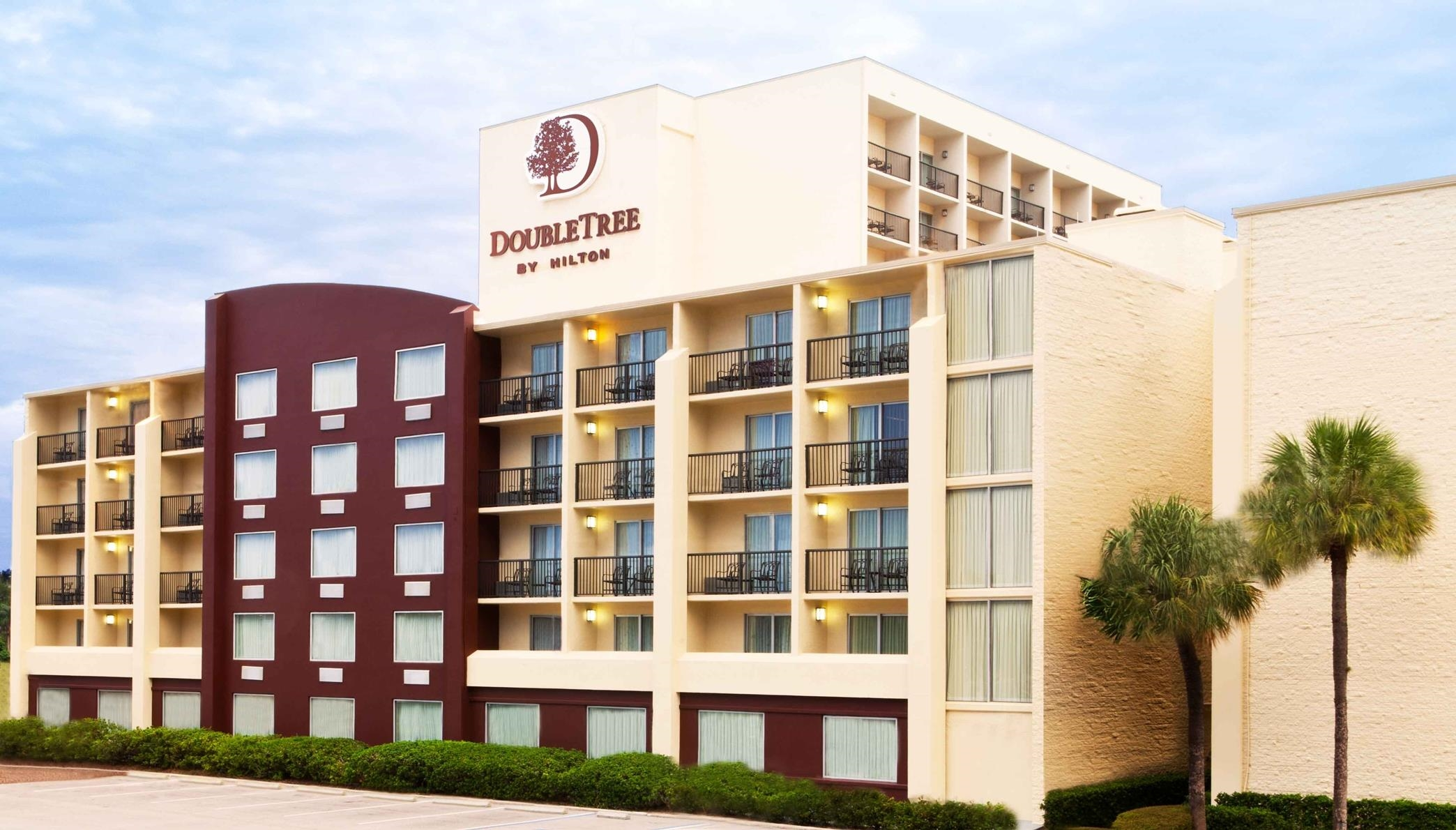 DoubleTree by Hilton Hotel Tampa Airport - Westshore image 0