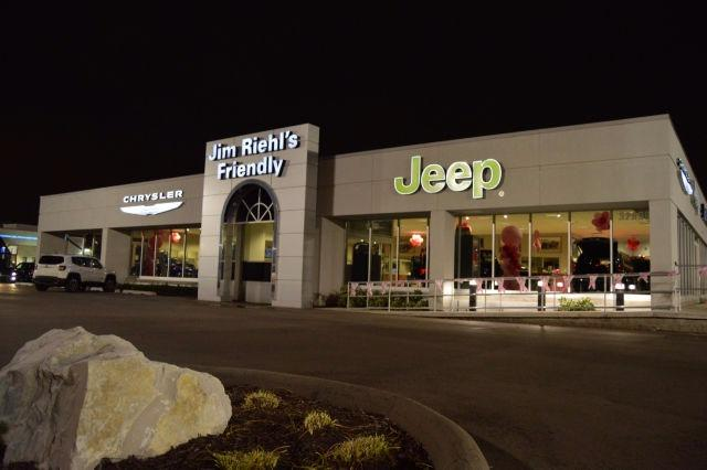 jim riehl 39 s friendly chrysler jeep in warren mi 48093 citysearch. Black Bedroom Furniture Sets. Home Design Ideas