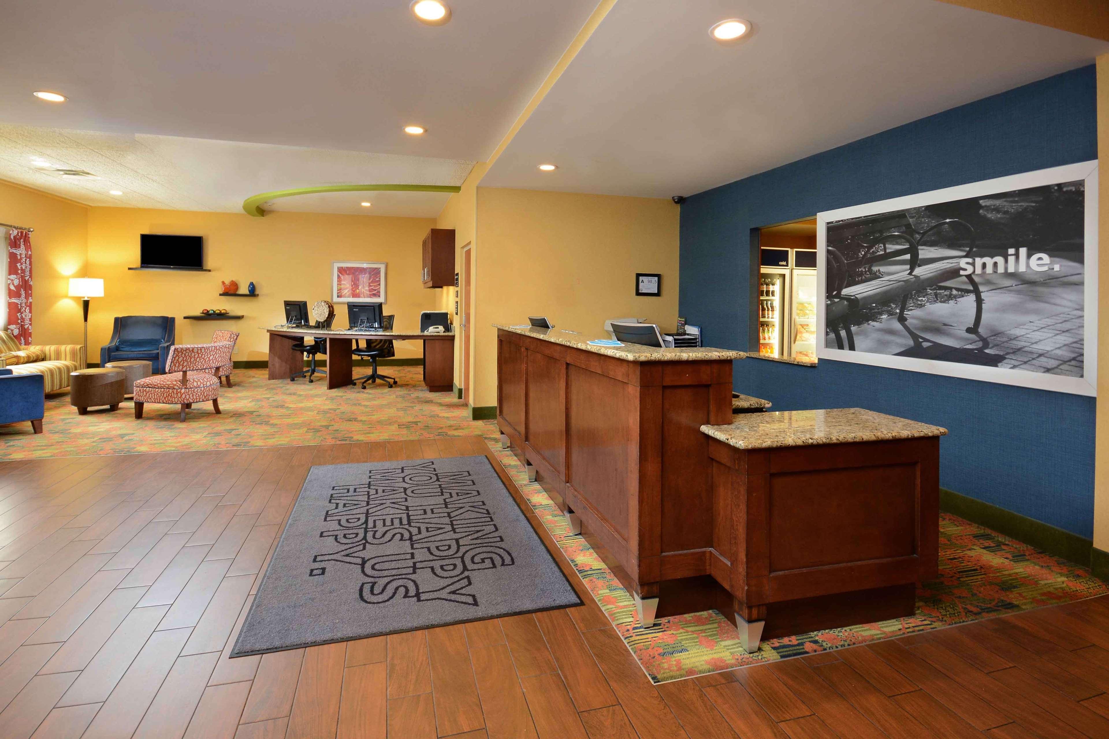 Hampton Inn Fayetteville Fort Bragg image 3