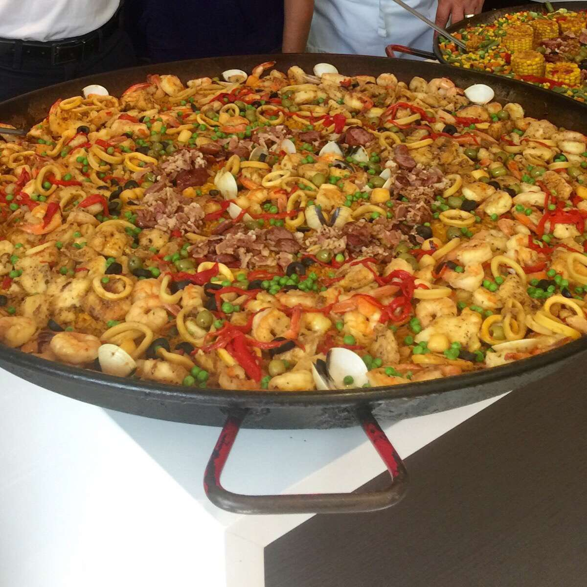 Don Paella Catering image 3