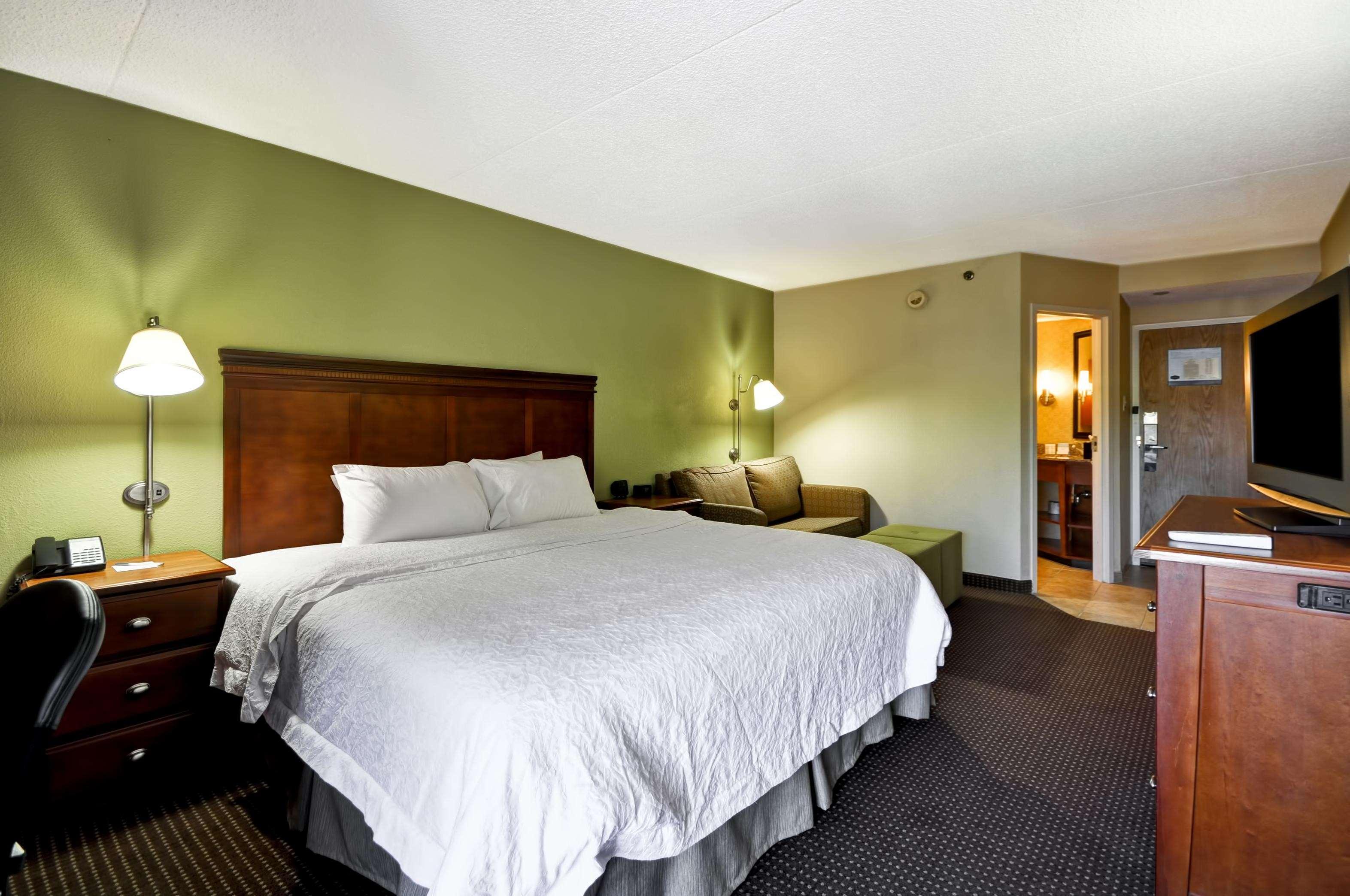 Hampton Inn St. Louis/Westport image 40